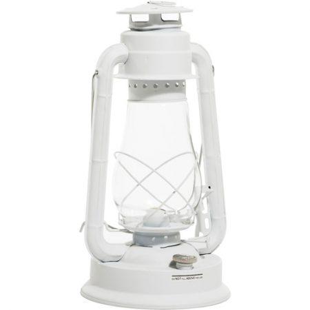 Klassinen valkoinen myrskylyhty, joka kestää kovimmassakin tuulessa. Soveltuu käytettäväksi myös sisätiloissa, jossa se luo miellyttävän rentouttavan loisteen. Palaa parafiinipohjaisella lamppuöljyllä, paloaika 33 tuntia.